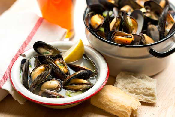 Boston Ale Steamed Mussels