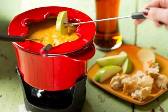 Rustic Saison Beer and Cheddar Fondue